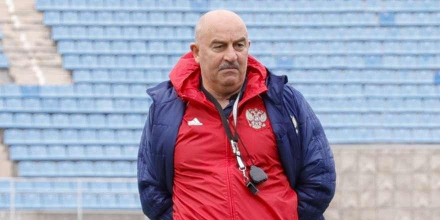 Черчесов уволен с поста главного тренера сборной России