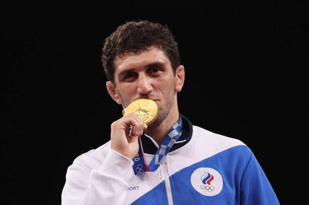 Борец Заурбек Сидаков выиграл золото ОИ