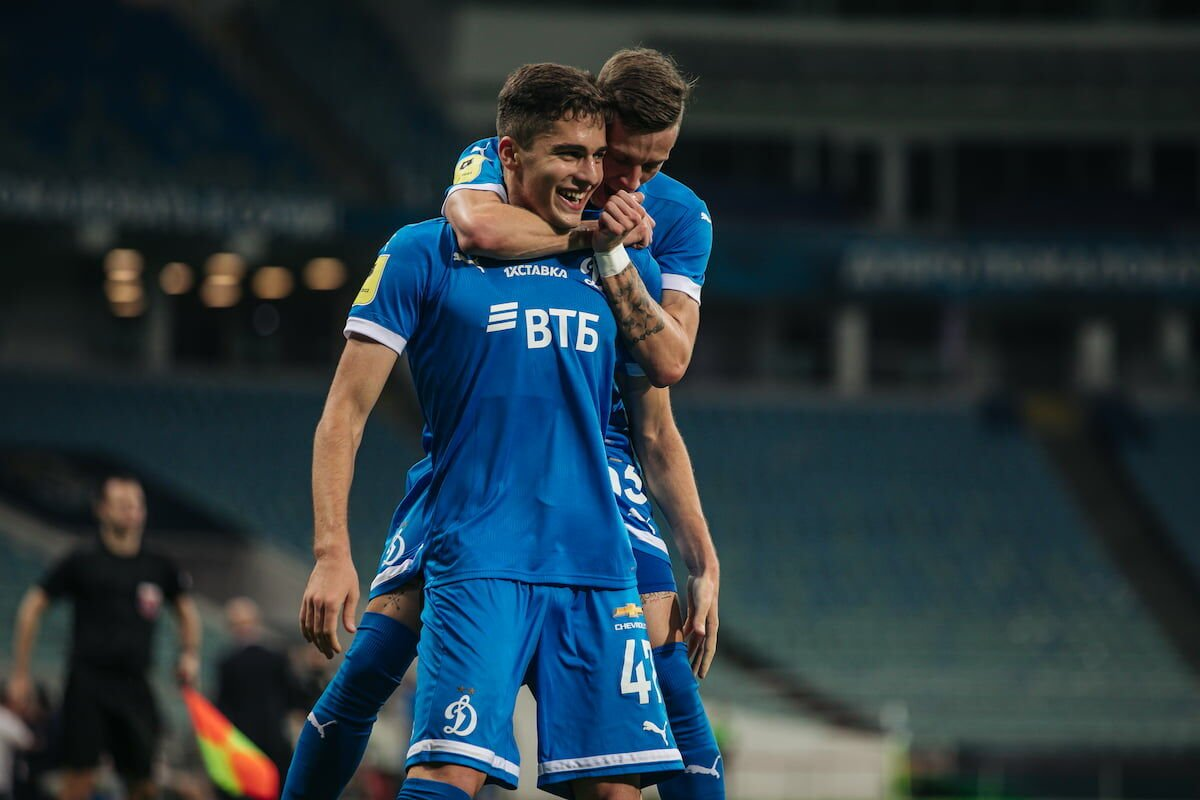 «Динамо» обыграло «Сочи» благодаря голу Арсена Захаряна