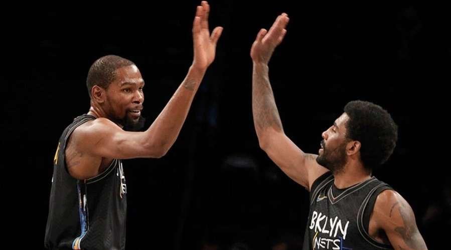 Кевин Дюрант заблокировал переход Кайри Ирвинга в другой клуб НБА