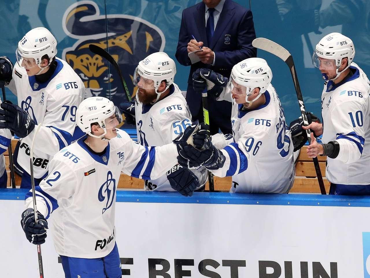 «Динамо» одержало восьмую победу подряд в КХЛ